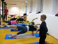 DUV-Förderstützpunkt Berlin - Beeindruckend gut: Die Frauen bei einer Stabiübung im Seitstütz!